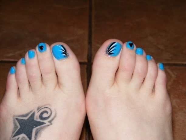 Attractive Sunflower Toe Nail Art With Tattoos - 30 Fancy And Cool Toe Nail Designs 2017 - SheIdeas