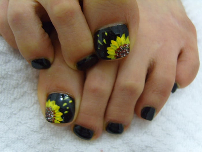 Awesome Toe Nail Designs on Feet