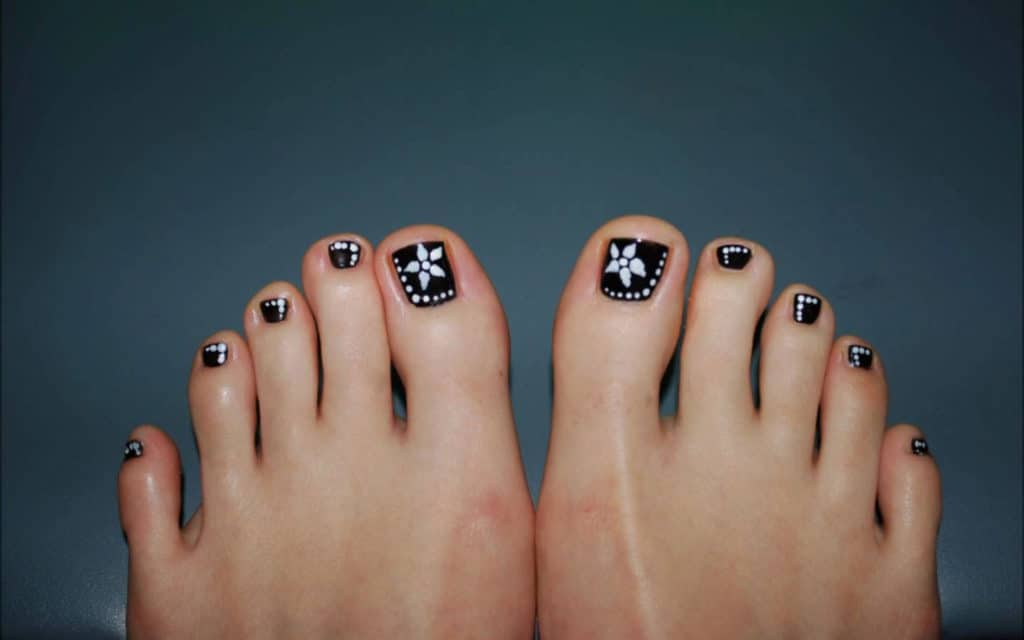 30 Fancy and Cool Toe Nail Designs 2018 – SheIdeas