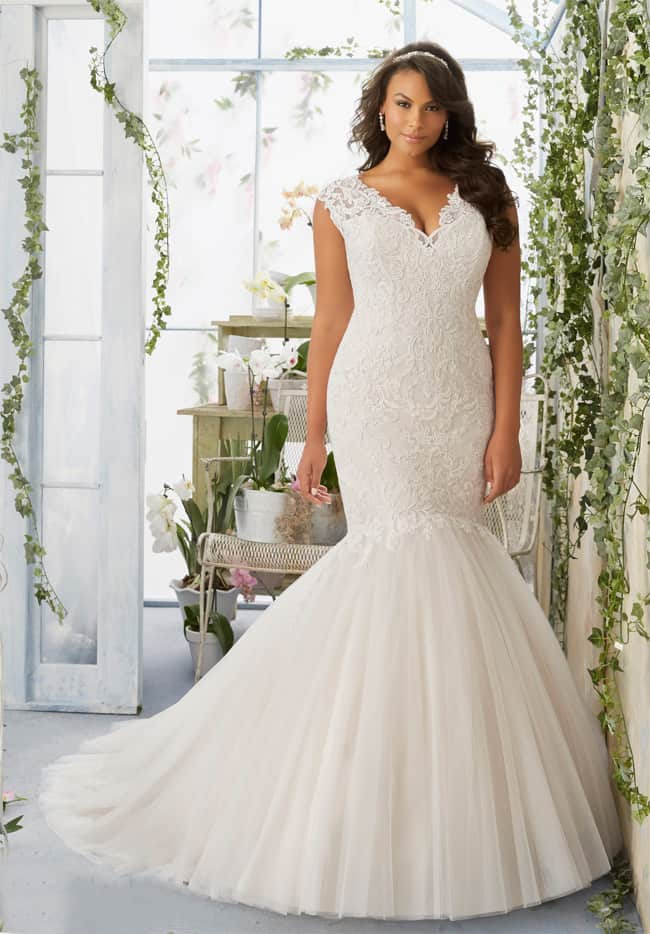 Amazing Plus Size Wedding White Dress