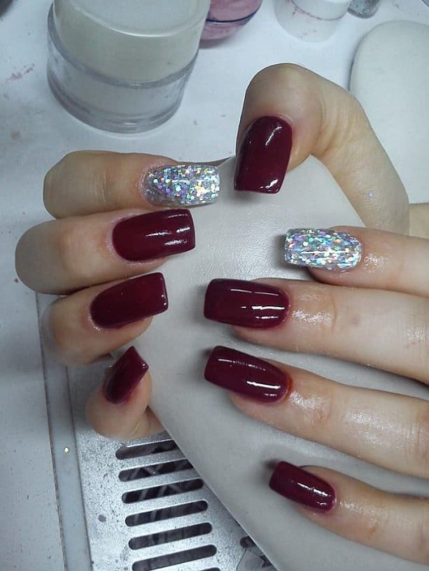 Attractive Acrylic Nail Polish Design for Girls