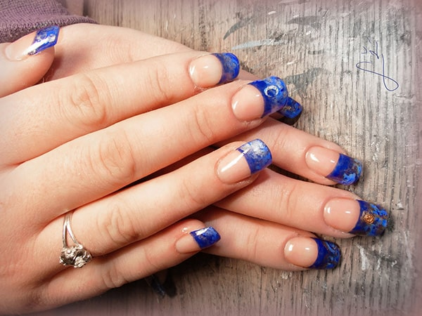 Attractive Blue Gel Nails Art for Girls