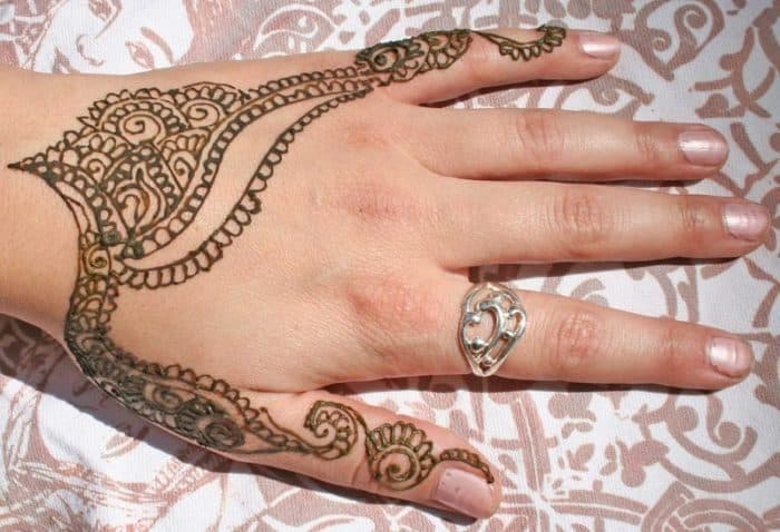 Mehndi Designs For Teenage Hands : Latest and cool easy henna designs sheideas
