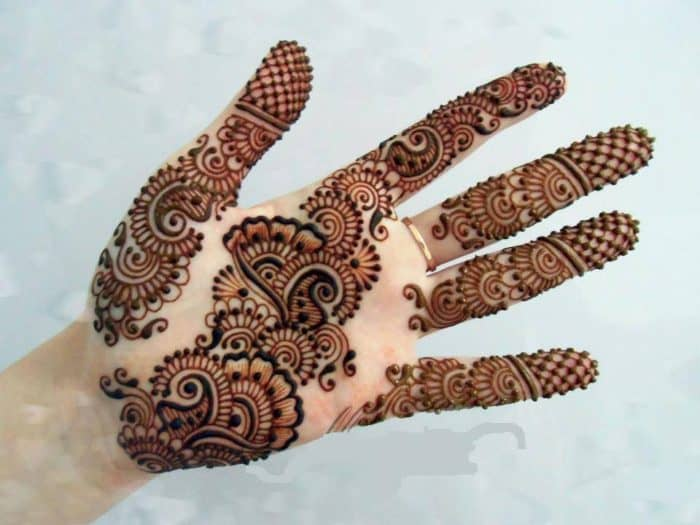 Beautiful Arabic Henna Designs for Women