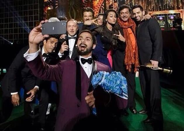 Bollywood Group Selfies Pics