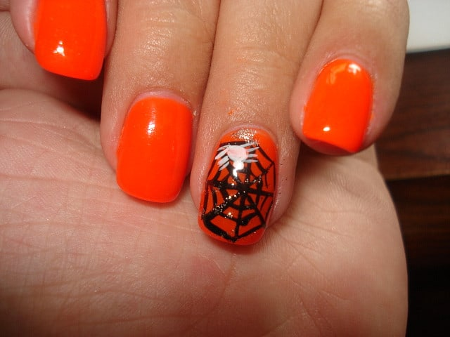 Cute Spider Nail Art With Black Color