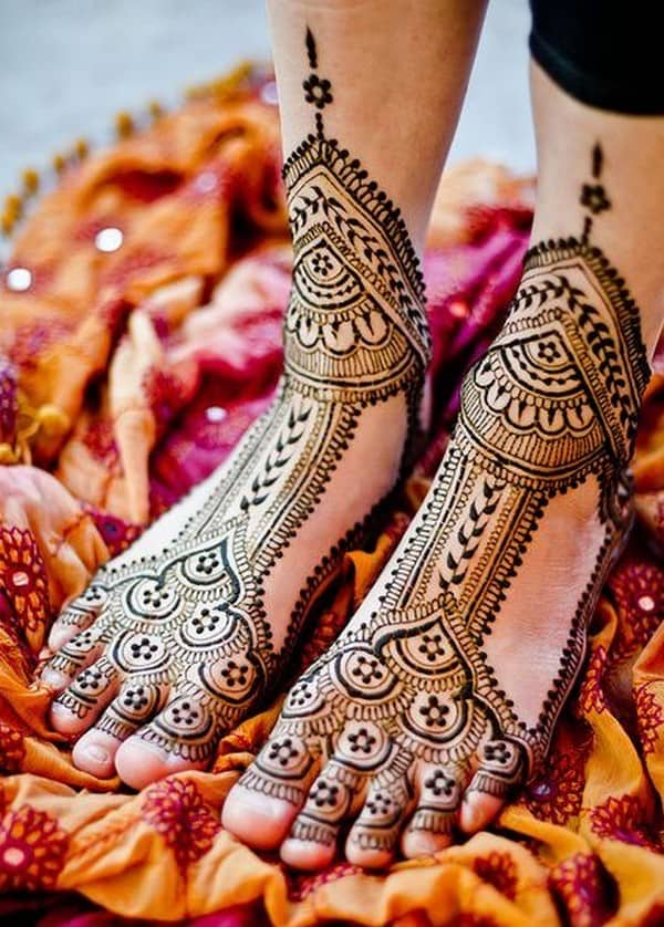Easy Bridal Mehndi Designs for Feet