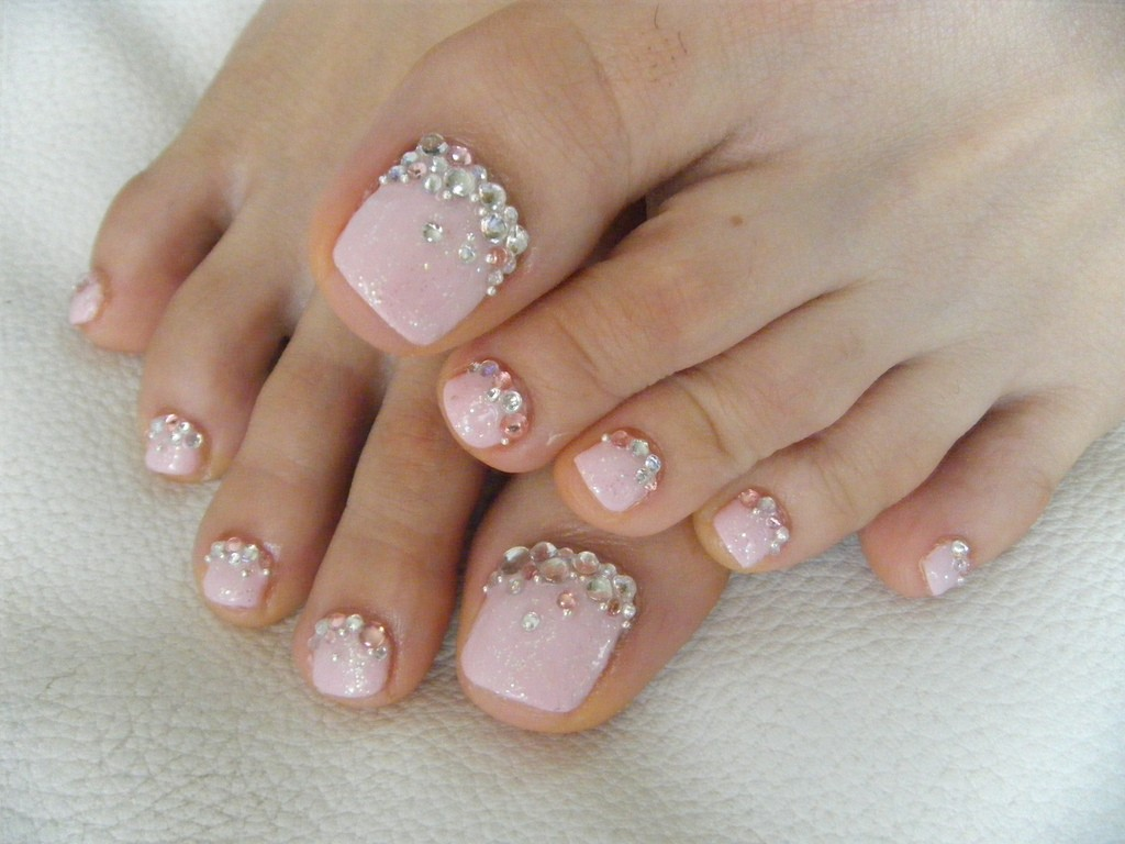 feet nail art ideas with gel polish - Gel Nail Design Ideas