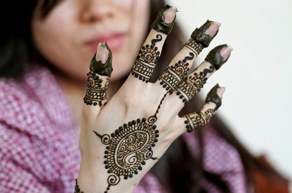 Girls Easy Mehndi Designs for 2016