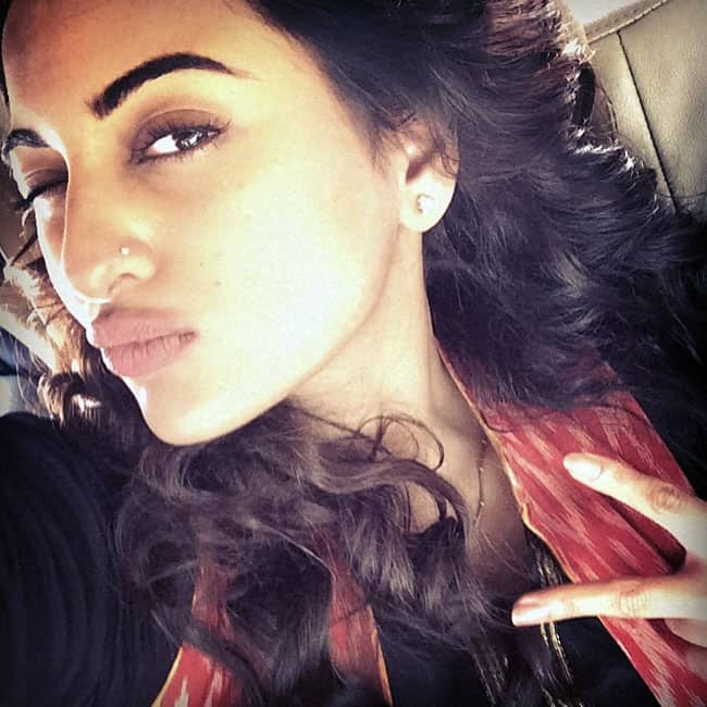 Interesting Sonakshi Sinha Selfie