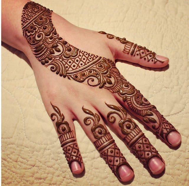 Simple Arabic Mehndi Design for Hands