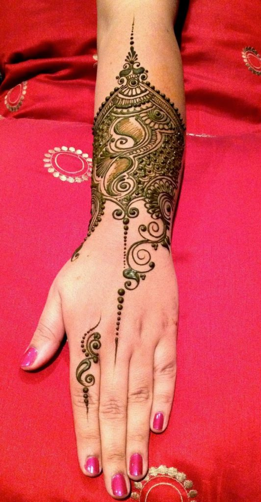 Simple Wedding Mehendi Design for Hands