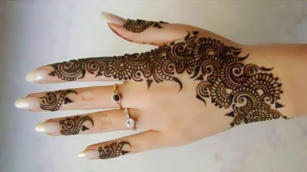 Trendy Henna Arabic Designs for Girls