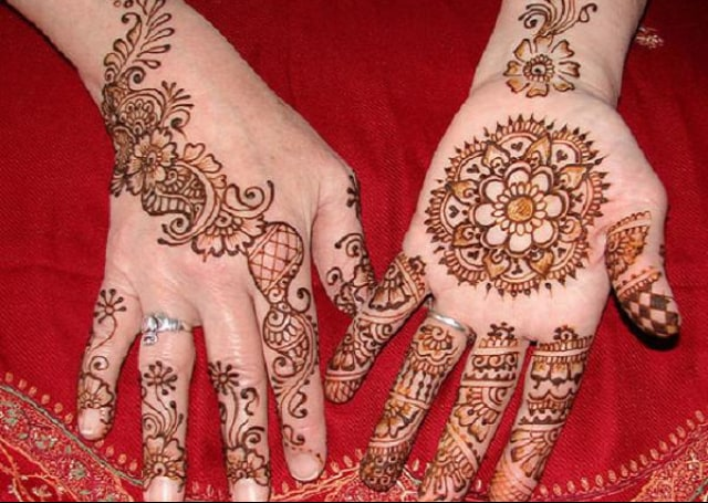 Women Mehndi Design for Hand 2016