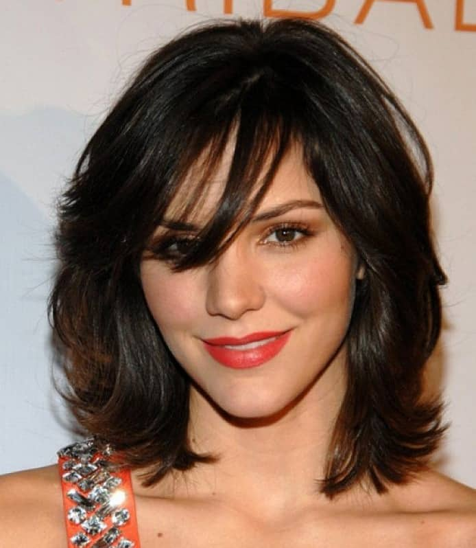 2016 Layered Medium Wavy Hairstyles With Bangs