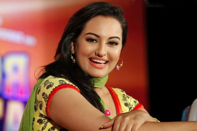 Actress Sonakshi Sinha Biography Pics