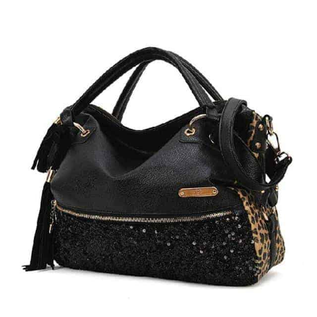 Amazing Black Ladies Handbag Trend
