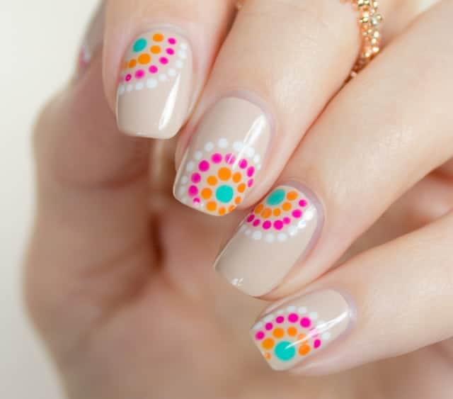 27 Pretty Nail Art Designs for Valentine's Day picture