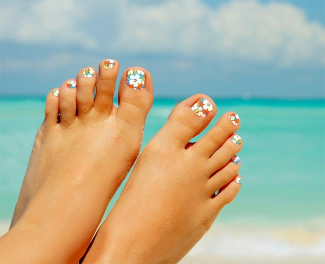 Beach Style Feet Toe Nail Designs With Flowers