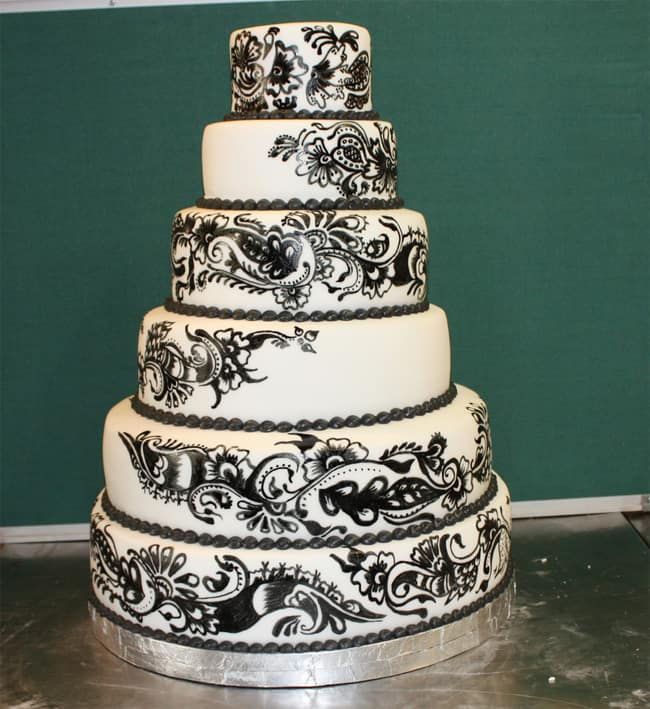 Best Design Cake Images : Top 10 Henna Wedding Cake Designs - SheIdeas