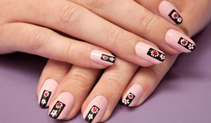 http://www.sheideas.com/wp-content/uploads/2016/02/Best-Step-by-Step-Nail-Art-Design-Ideas.jpg