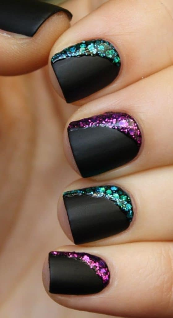 Cute Nail Polish Designs in Black Color 2016