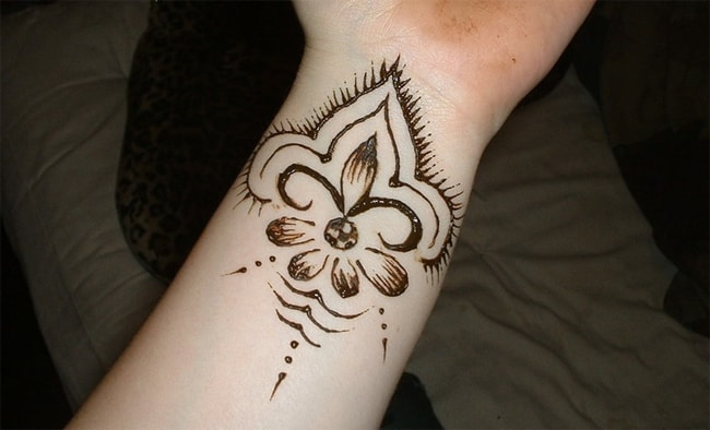 Easy Wrist Henna Tattoo Designs 2016