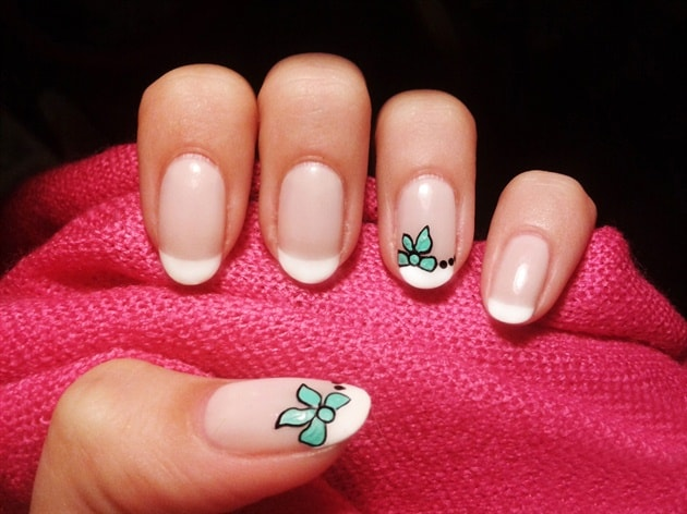 Girls French Nail Art With Bows