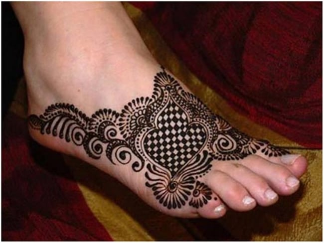 Latest Mehndi Design Image for Foot 2016