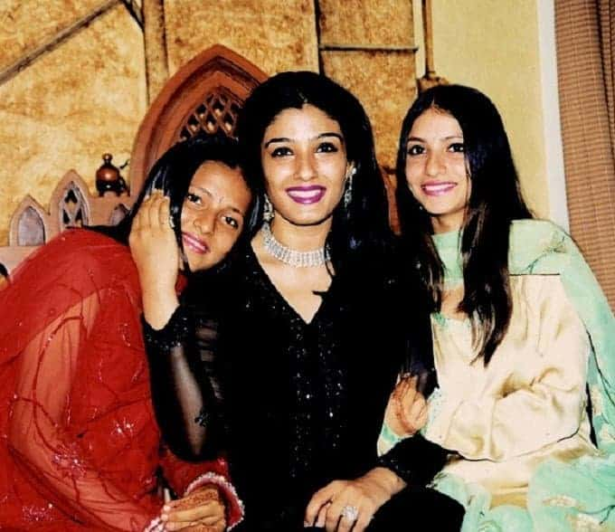 Raveena Tandon With Daughters