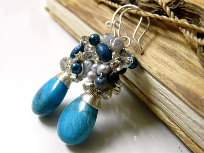 Amazing Earrings With Stones and Beads