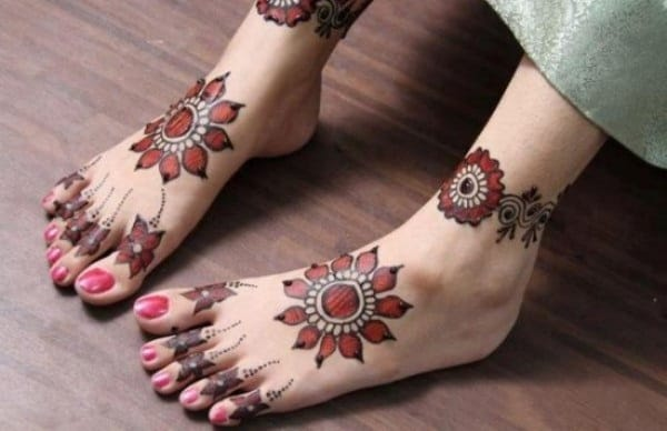 Amazing Foot Mehndi Styles for Brides
