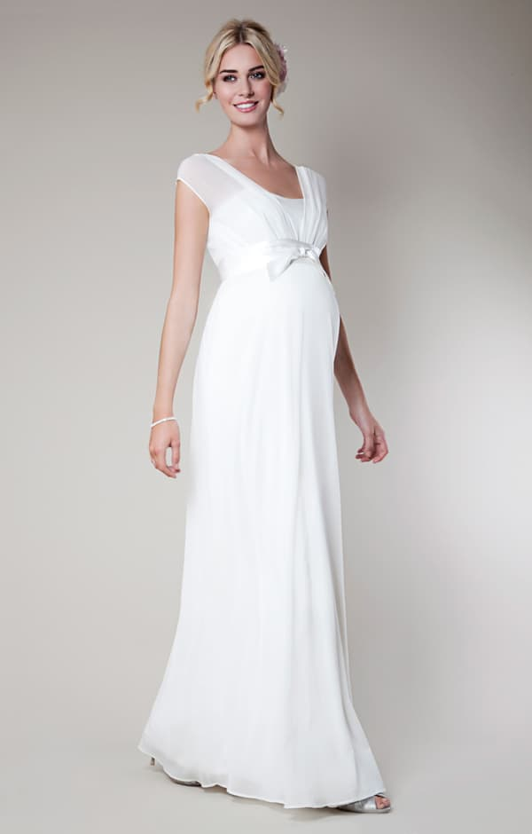 Amazing White Long Dresses for Pregnant