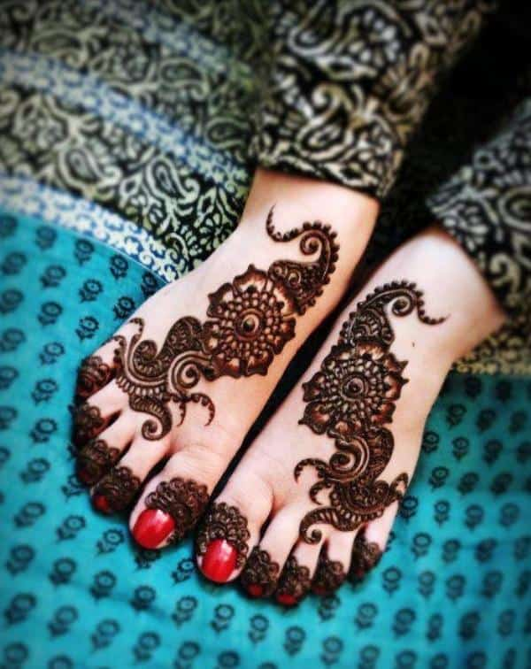 Awesome Foot Henna Designs for Girls