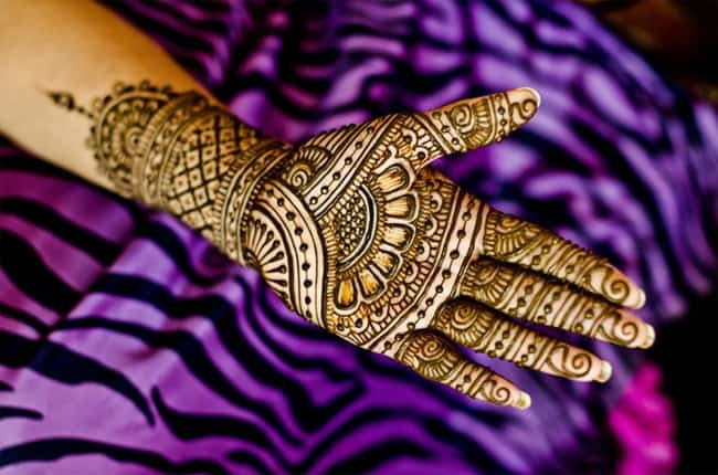 Awesome Women Mehndi Pattern Meanings
