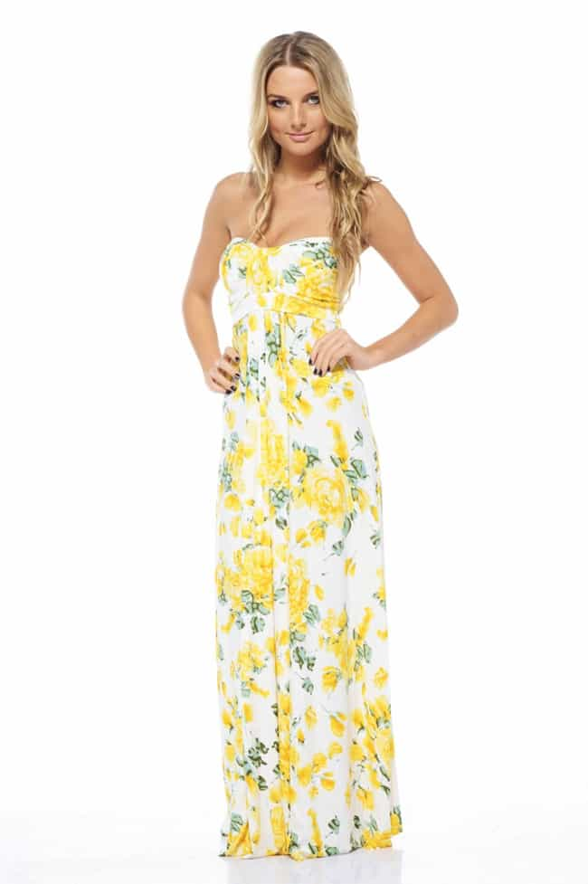 I suspect that even the most glass-half-empty person you know couldn't come up with many negative things to say about the maxi dress. It's a tough one to trash talk. After all, the easy-breezy.