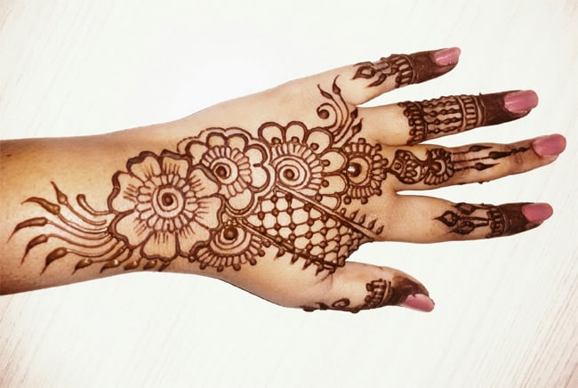 Beautiful and Simple Henna Designs for Eid
