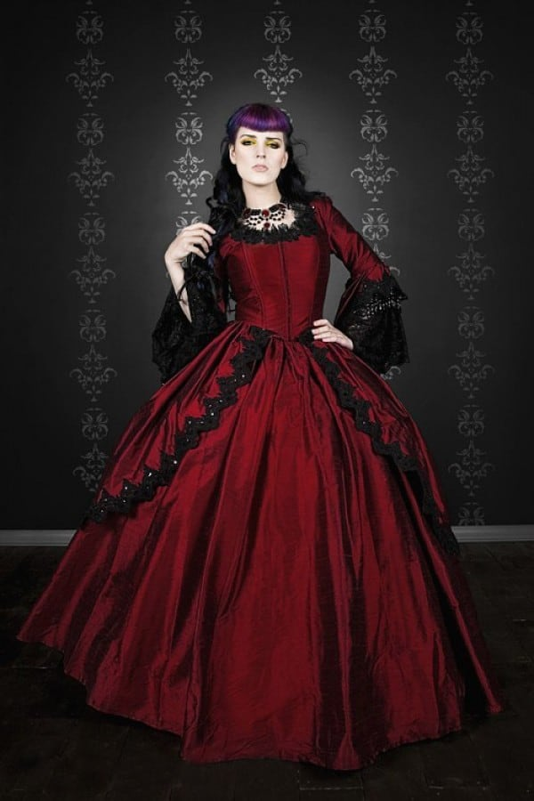 Black and Red Wedding Dresses With Sleeves
