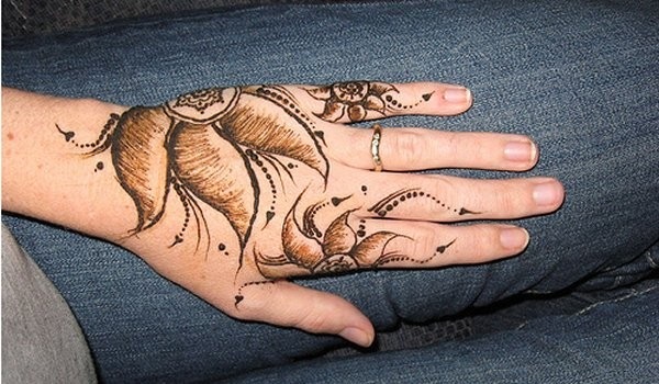 Cute and Easy Mehndi Designs for Hands 2016-17