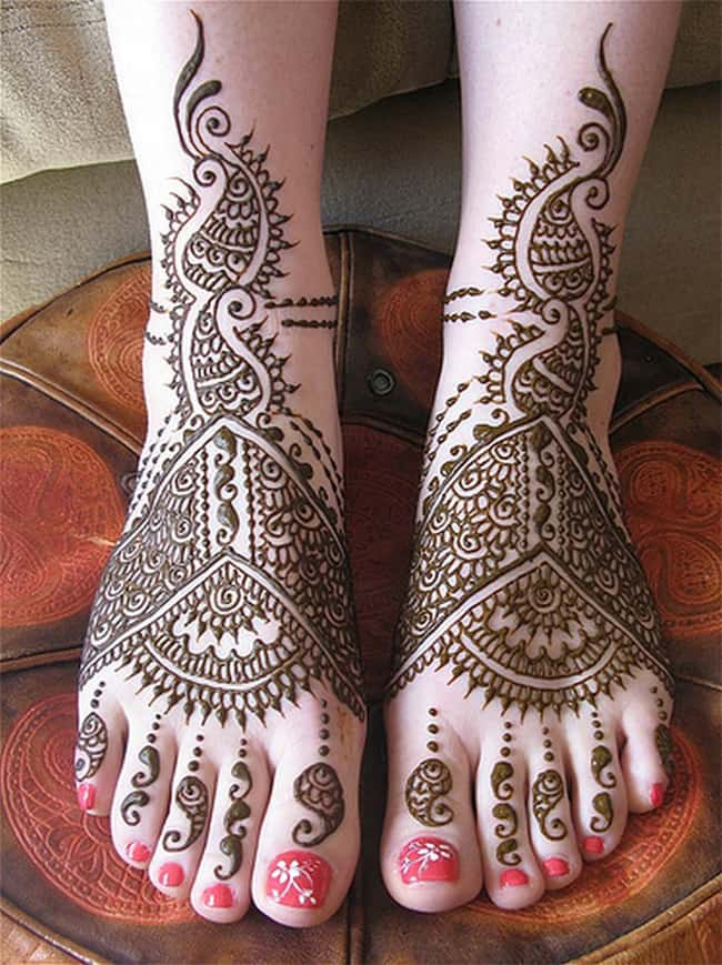 Fancy Wedding Mehndi Designs on Foot