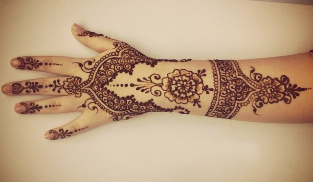 Floral Henna Looking Tattoos Trends