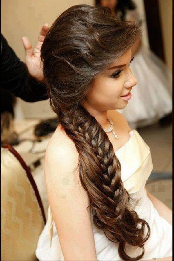 Latest Side Ponytail Hairstyle for Wedding