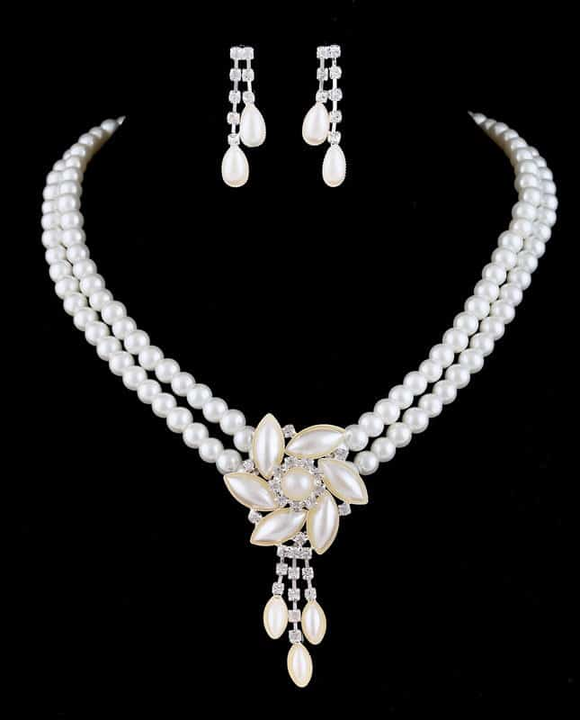 New Flower Charm Pearl Necklace for Brides