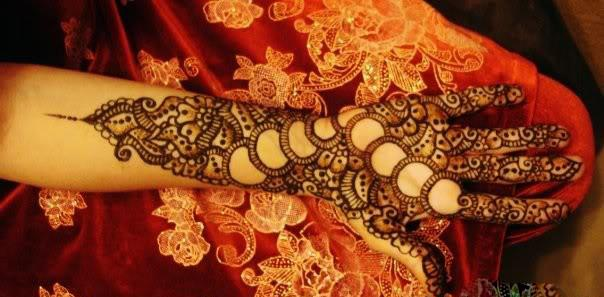 Pakistani Circle Henna Designs for Wedding