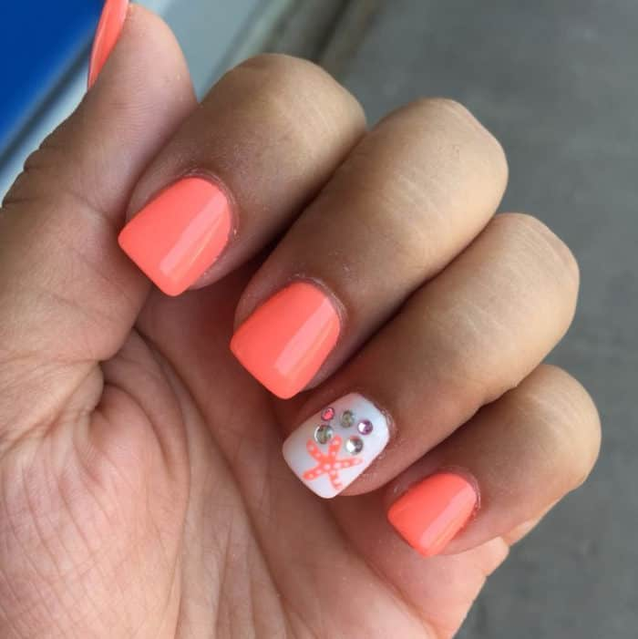 25 Beautiful And Simple Nail Art Designs