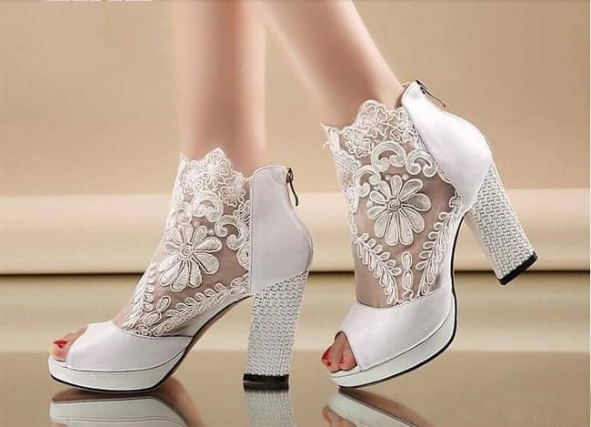 Stylish Formal Wedding Shoes With Kitten Heels