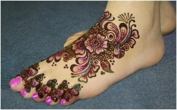 Superlative Foot Henna Design Ideas
