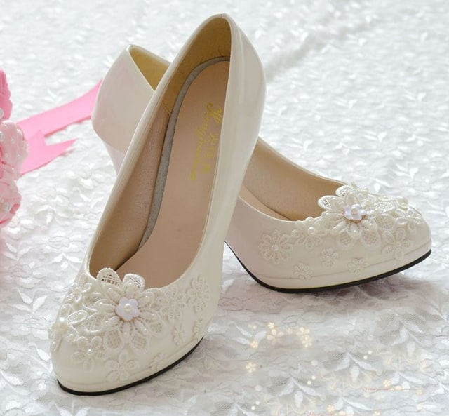 White Pearl Lace Flower Bridal Shoes Trends