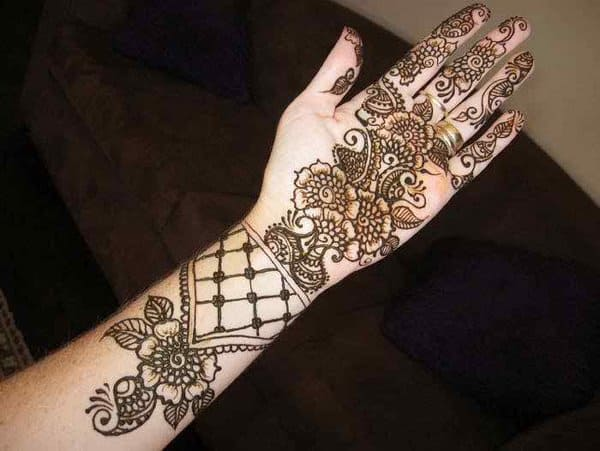 Amazing Dulhan Mehndi Design for Wedding