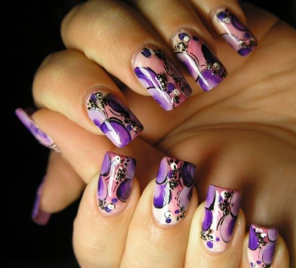 Amazing Women Airbrush Nails Designs